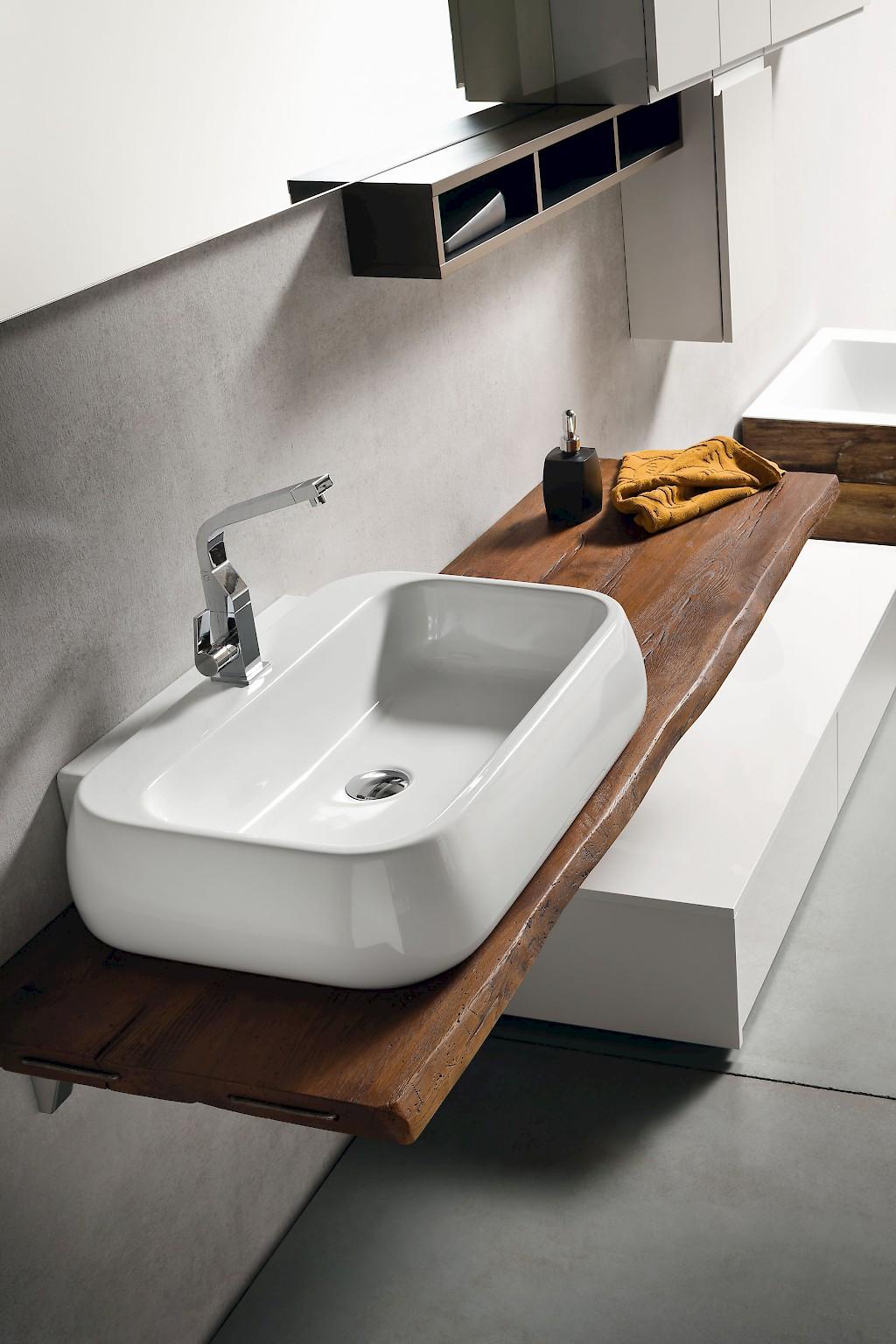 Mobili per il bagno classici e moderni - Top bagno legno massello ...
